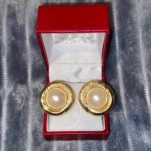 Clip on Large pearl earrings, gold plated